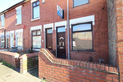 2 bedroom terraced house to rent - Wilks Street, Stoke-on-trent, ST6