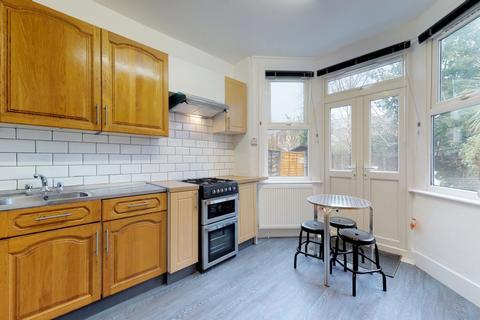 5 bedroom house share to rent - Falkland Road, Harringay