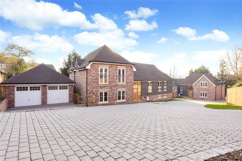 4 bedroom detached house for sale - Forest Walk, The Glen, Pamber Heath, Hampshire, RG26