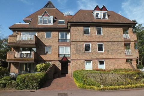 3 bedroom apartment to rent - The Oasthouse, Pinehurst South, Grange Road, Cambridge, CB3