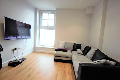 2 bedroom apartment to rent - Darkes Lane, Potters Bar EN6