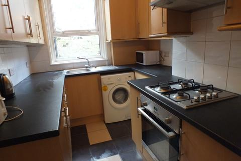 4 bedroom terraced house to rent - Erleigh Road, Reading