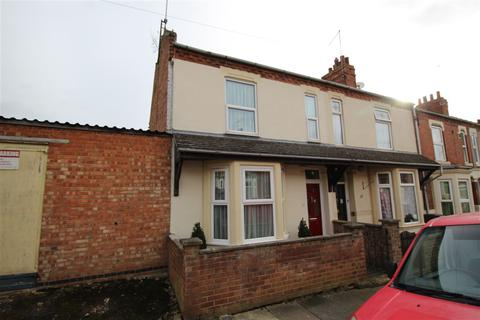 3 bedroom terraced house for sale - Cecil Road, Queens Park, Northampton