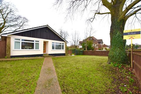 3 bedroom semi-detached bungalow to rent - Alexandra Road, Epsom