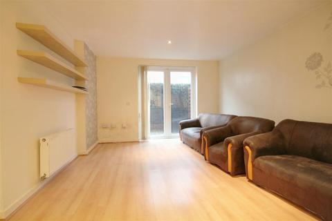 2 bedroom flat for sale - Taywood Road, Northolt