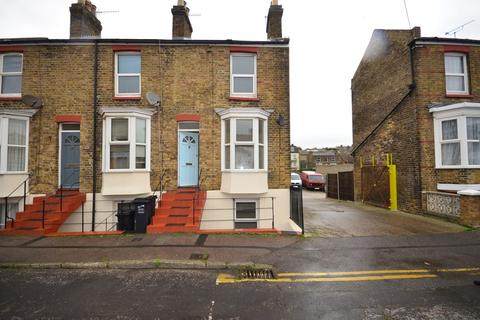 3 bedroom terraced house to rent - Upper Grove Margate CT9