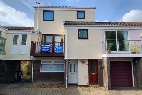 3 bedroom flat for sale - Marina Village, Preston Brook, Runcorn