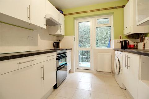 3 bedroom apartment for sale - Courts Road, Earley, Reading, Berkshire, RG6
