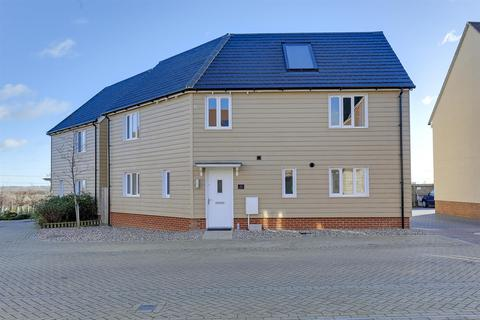 4 bedroom detached house for sale - Redwing Avenue, Iwade