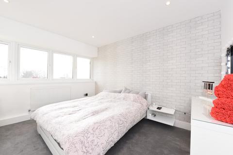 2 bedroom apartment to rent - Woodley Precinct, Woodley