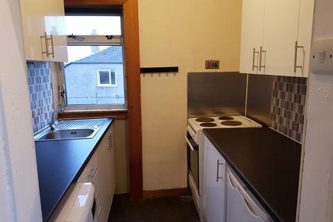 3 bedroom flat to rent - Thurston Road, Cardonald , Glasgow G52