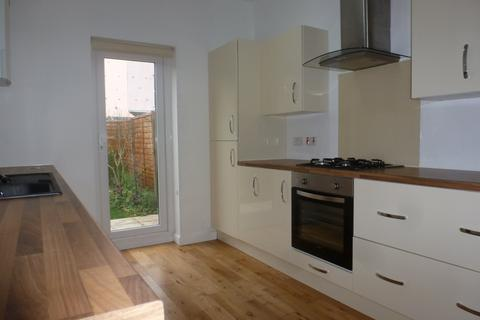 3 bedroom semi-detached house to rent - Jubilee Road Southsea PO4