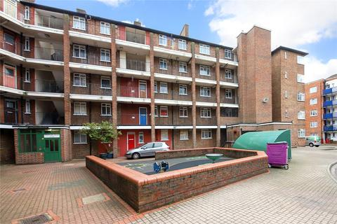 4 bedroom flat for sale - Padstow House, Three Colt Street, London, E14