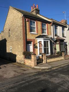 2 bedroom end of terrace house for sale - Clarendon Road, Broadstairs CT10