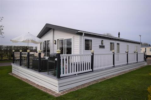 2 bedroom mobile home for sale - Farm Fileds, Skipsea, Driffield, YO25 8TZ