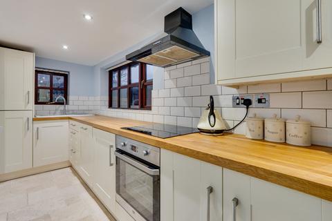 2 bedroom cottage for sale - North Road, Holme, Carnforth, LA6 1QA
