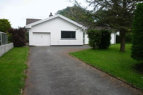 3 bedroom detached bungalow to rent - Deerland Road, Haverfordwest