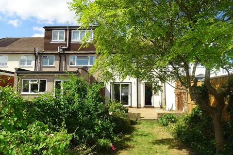 2 bedroom terraced house for sale - Stuart Way, Staines-upon-Thames, TW18