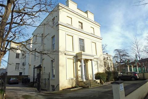 2 bedroom flat to rent - Clarence Road, Pittville, Cheltenham