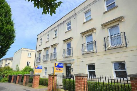 2 bedroom apartment to rent - Kempley Close, Cheltenham, Gloucestershire