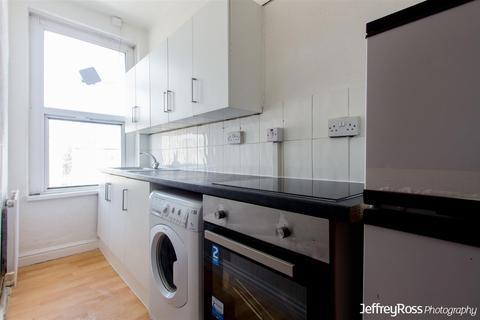 2 bedroom flat to rent - Newport Road, Roath, Cardiff