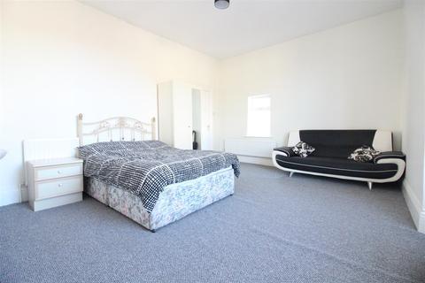 5 Bedroom Terraced House For Sale Adderbury Grove Hull