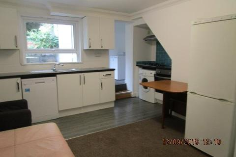 6 bedroom terraced house to rent - Argyle Road, Brighton