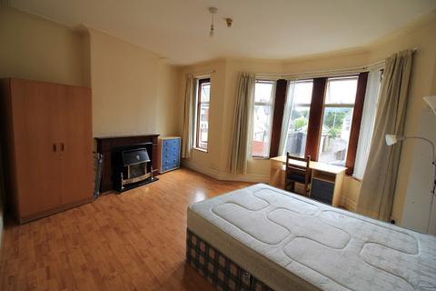 3 bedroom flat to rent - Whitchurch Road, Gabalfa, Cardiff, CF14