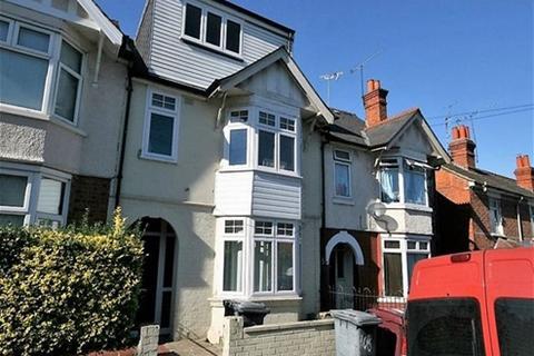 House to rent - - Highgrove Street, Reading