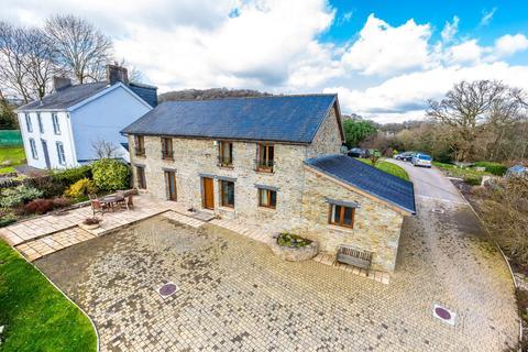 4 bedroom barn conversion for sale - Rhiwsaeson Road, Cross Inn