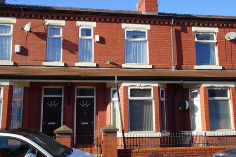 4 bedroom terraced house to rent - Crofton Street, Manchester, M14