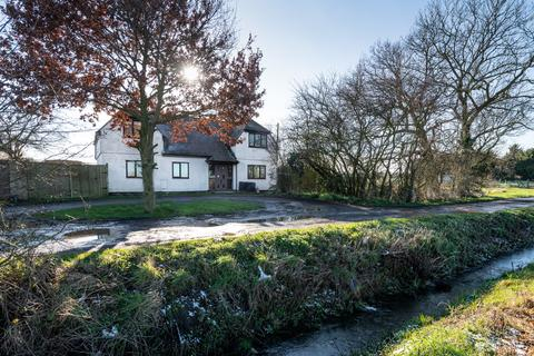 4 bedroom detached house for sale - Latchingdon, Essex