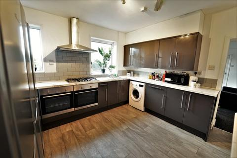 7 bedroom terraced house to rent - Wilford Lane, Nottingham