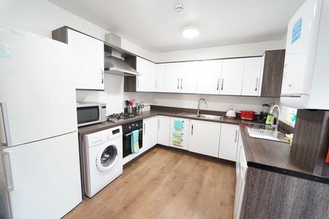 6 bedroom detached house to rent - Bute Avenue, Lenton