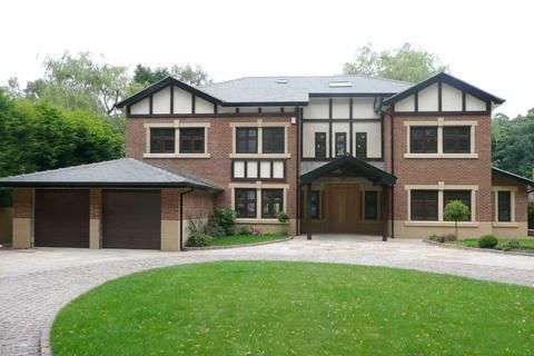 6 bedroom detached house to rent - Brooks Drive, Hale Barns