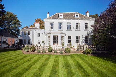 7 bedroom detached house for sale - The Old Rectory, Barwick in Elmet, LS15 4JR