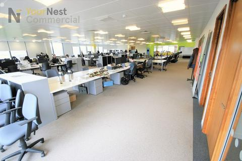 Serviced office to rent - Desk/Co-working Space, Whitehall Road, LS12 1BE.