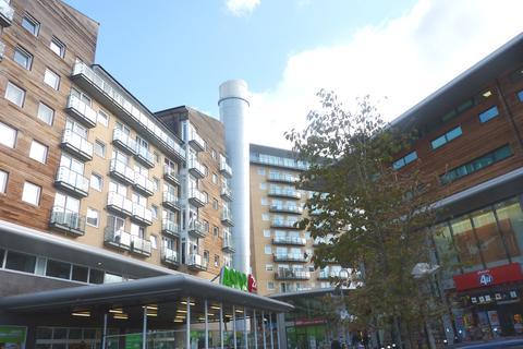 1 bedroom flat to rent - Hamlyn House, Feltham, TW13
