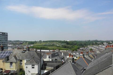 8 bedroom terraced house to rent - North Road East, Plymouth