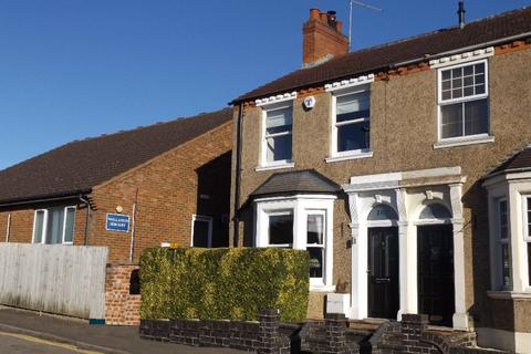 3 bedroom end of terrace house to rent - London Road , Wollaston , Northamptonshire, NN297QS