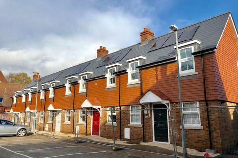 2 bedroom terraced house for sale - Oyster Mews, Bowling Green Alley, Poole Town Centre, , BH15 1AG
