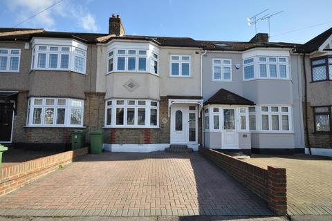 4 Bedroom Terraced House For Sale Cheviot Road Hornchurch Es Rm11