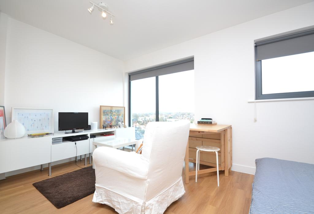 Lounge 4