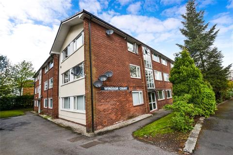 2 bedroom apartment to rent - Windsor Court, Ashton Lane, Sale, Greater Manchester, M33