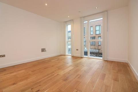 4 bedroom terraced house to rent - Samuel Street, Haggerston, E8
