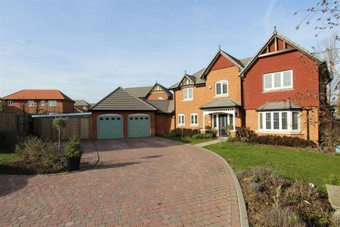 4 bedroom detached house for sale - Carey Close, Eastchurch, Sheerness