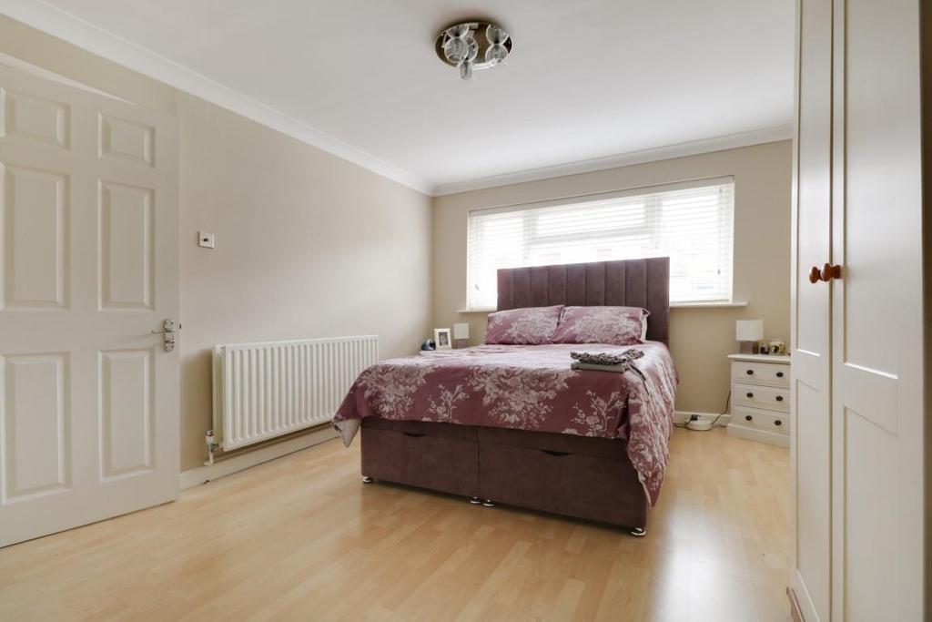 942. Bedroom 2 (3).jpg