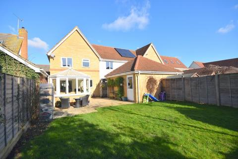 4 bedroom link detached house for sale - Isaac Square, Great Baddow, CM2 7PP