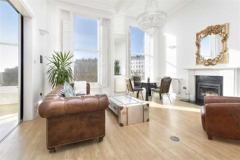 2 bedroom flat for sale - Adelaide Crescent, Hove, East Sussex
