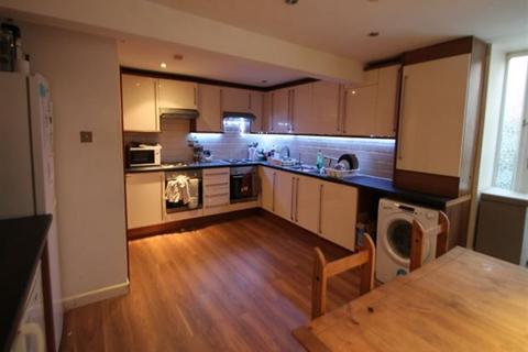 8 bedroom terraced house to rent - Headingley Avenue, Headingley, Leeds, LS6 3ER